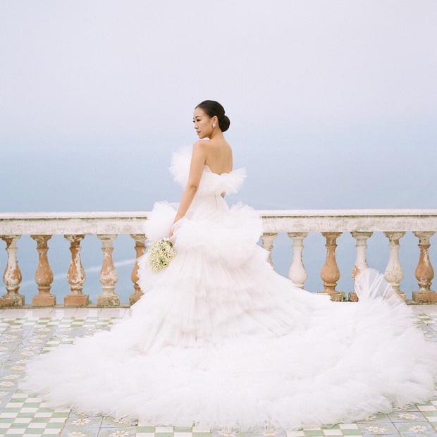 Hình ảnh Cận cảnh chiếc váy cưới mà bất kì cô dâu nào cũng mơ ước số 1