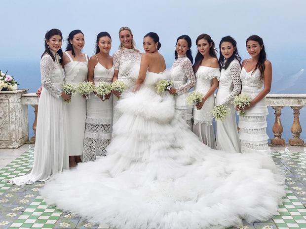 Hình ảnh Cận cảnh chiếc váy cưới mà bất kì cô dâu nào cũng mơ ước số 4