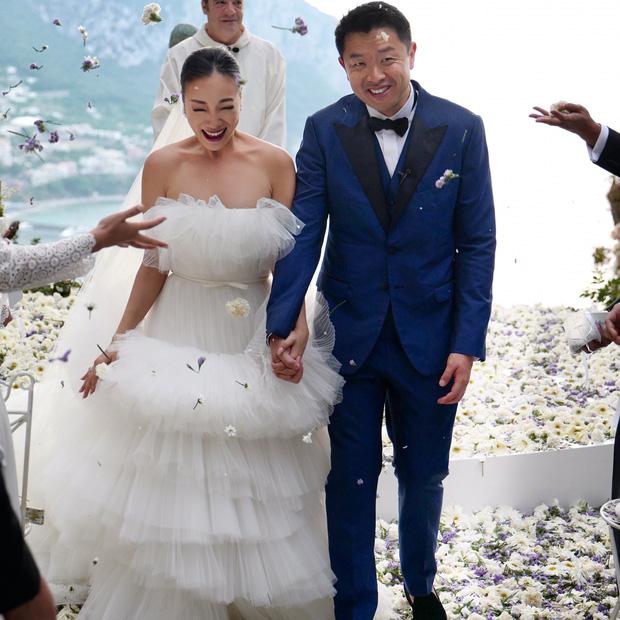 Hình ảnh Cận cảnh chiếc váy cưới mà bất kì cô dâu nào cũng mơ ước số 6