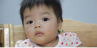Hai bé Trúc Nhi, em (ảnh trên) và Thảo Nhi, chị (ảnh dưới) có tính cách khác nhau. Bé em thu hút được nhiều tình yêu của mọi người hơn chị.