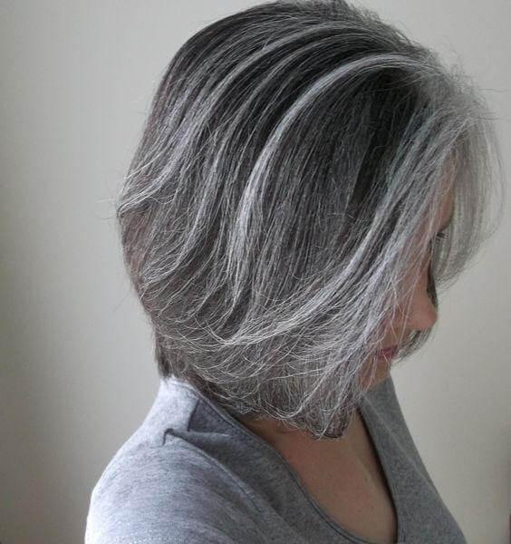 Hiện tượng tóc bạc ở nữ giới