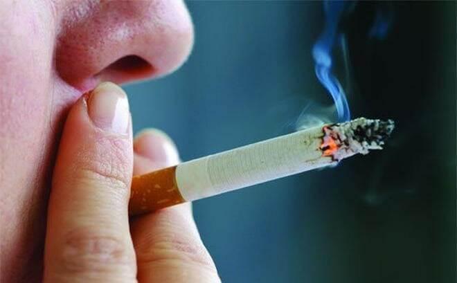 Hút thuốc gây ra tóc bạc sớm