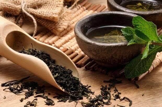 Chữa tóc bạc sớm với trà đen