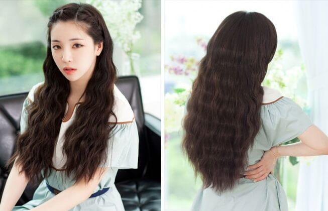 Kiểu tóc ngang lưng đẹp với tóc Bồng bềnh, mềm mại nhưng lại rất cá tính đấy.