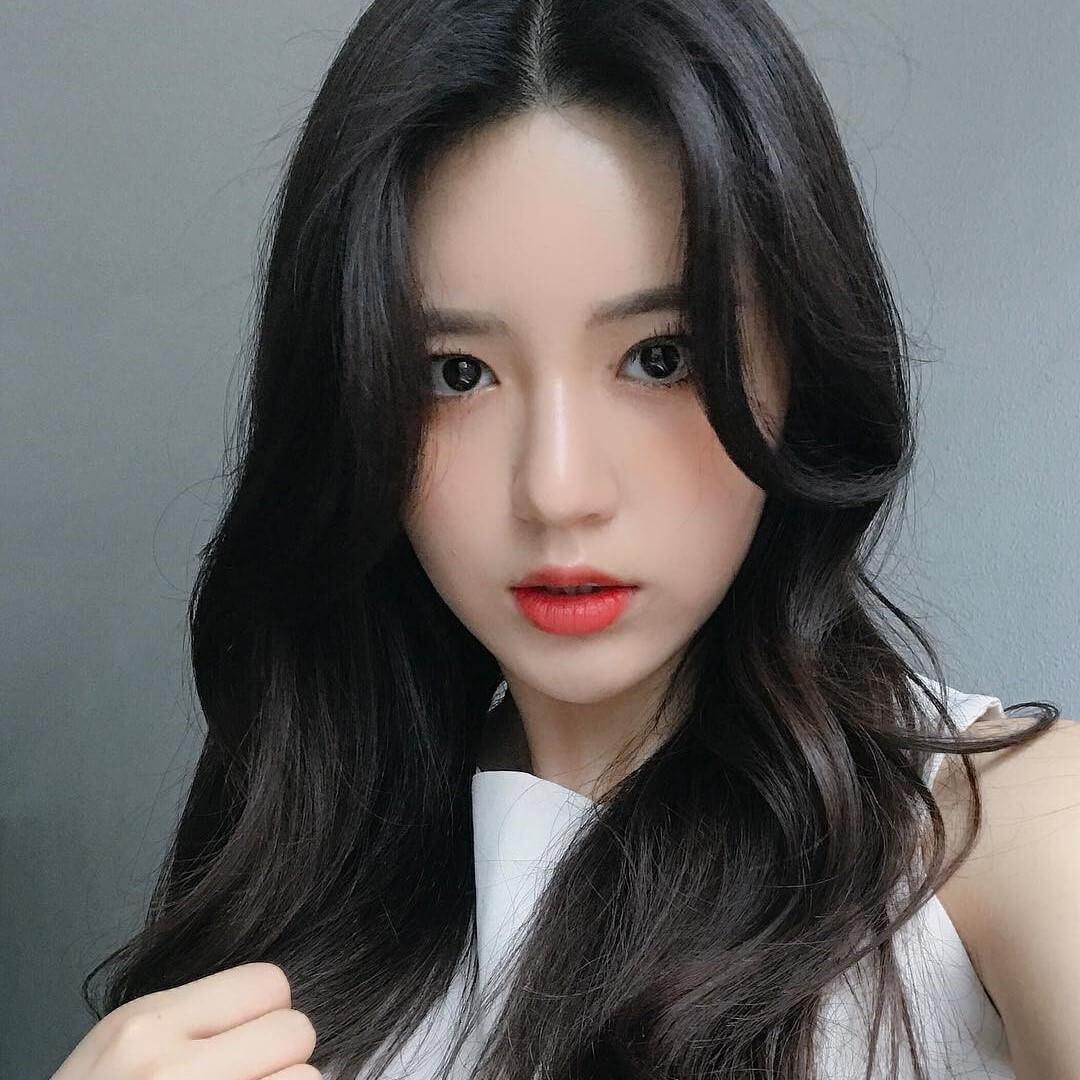 Kiểu tóc Hàn Quốc với mái dài