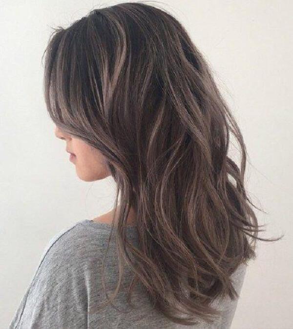 Kiểu tóc nhuộm màu nâu lạnh 5