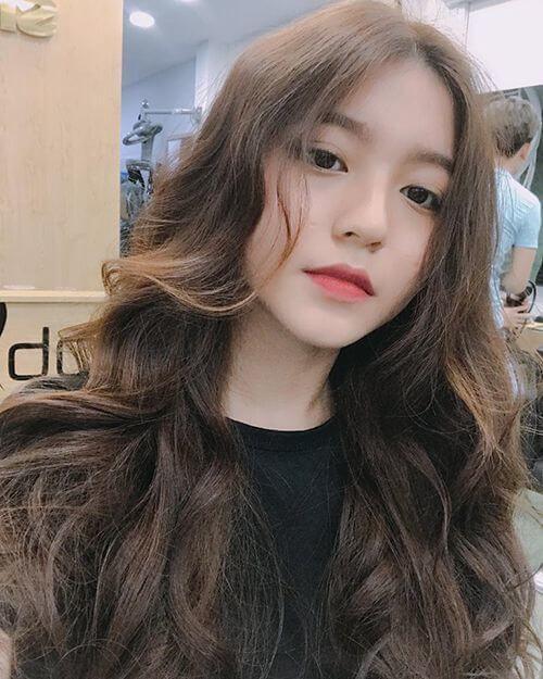 Kiểu tóc dài gợn sóng