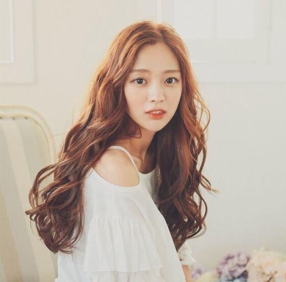 Kiểu tóc Hàn Quốc xoăn và gợn sóng